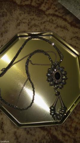 Ogrlica svecana, malo nosena, u extra stanju - Novi Sad