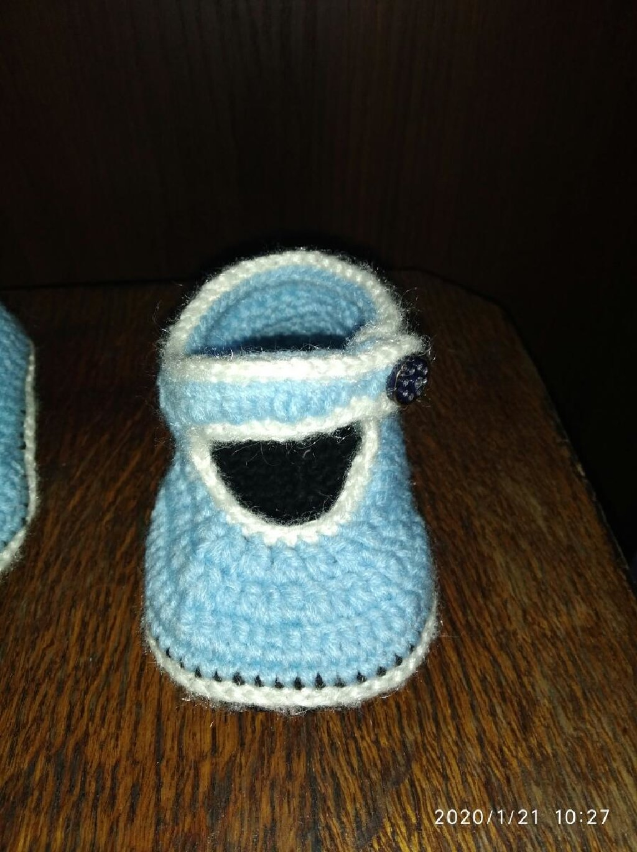 Вязание туфельки для новорожденных любой цвет и размер есть звонить по телефону