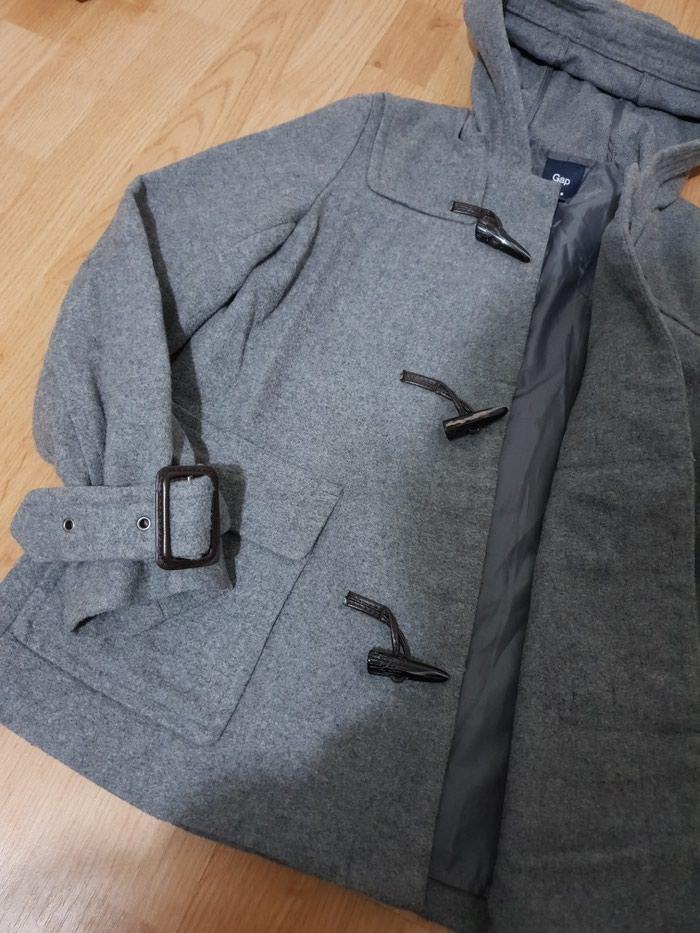 Kratki zenski kaput za prelazni period, kao NOV, nema etiketu, ali nije nosen
