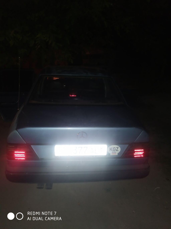 Mercedes-Benz W124 2.3 л. 1986: Mercedes-Benz W124 2.3 л. 1986