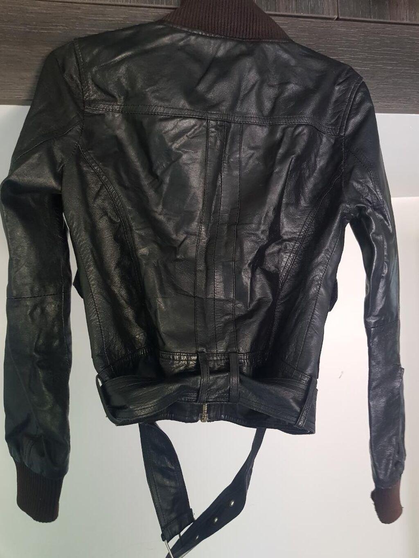 Zenska jakna ocuvana velicina L