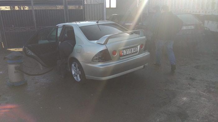 Toyota Altezza 2001 в Бишкек