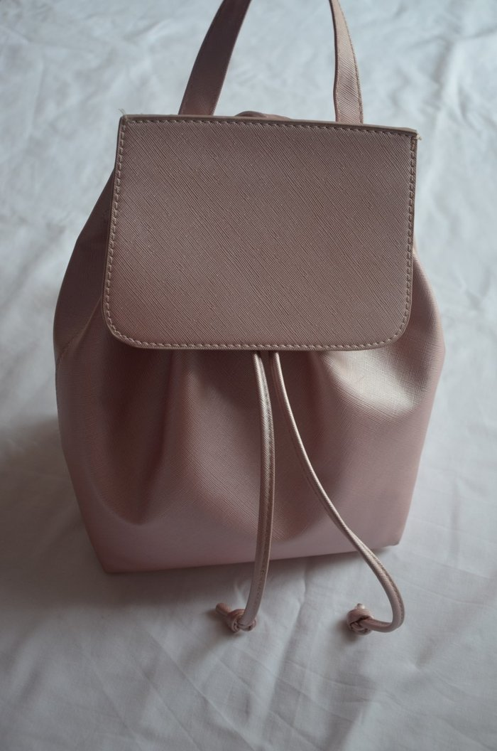 Ροζ τσάντα πλάτης σε άψογη κατάσταση. Photo 1