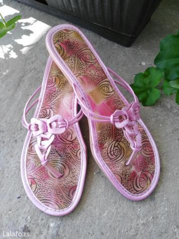 Papuče sa štiklom, vrlo malom,  roze boje,  broj 41. Nošene, za sve po - Kostolac