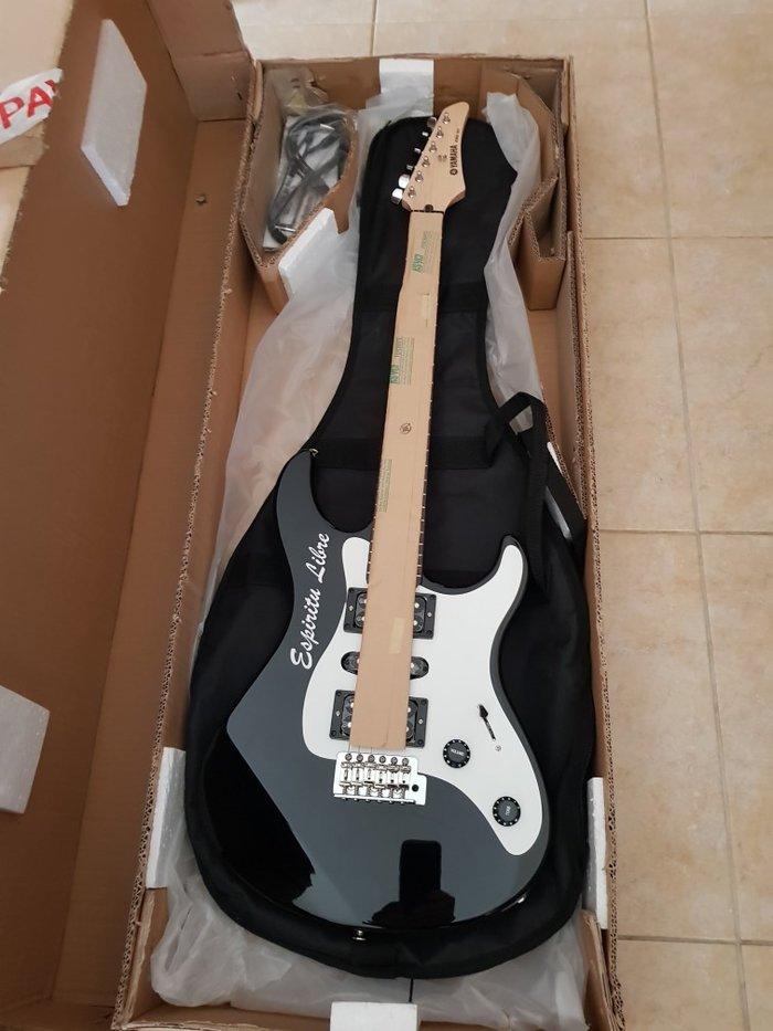 Κιθάρα ηλεκτρική yamaha erg - 121u, μαύρο χρώμα, καίνουρια και αχρησιμοποιήτη μαζί με τη θήκη της (μαύρο χρώμα)