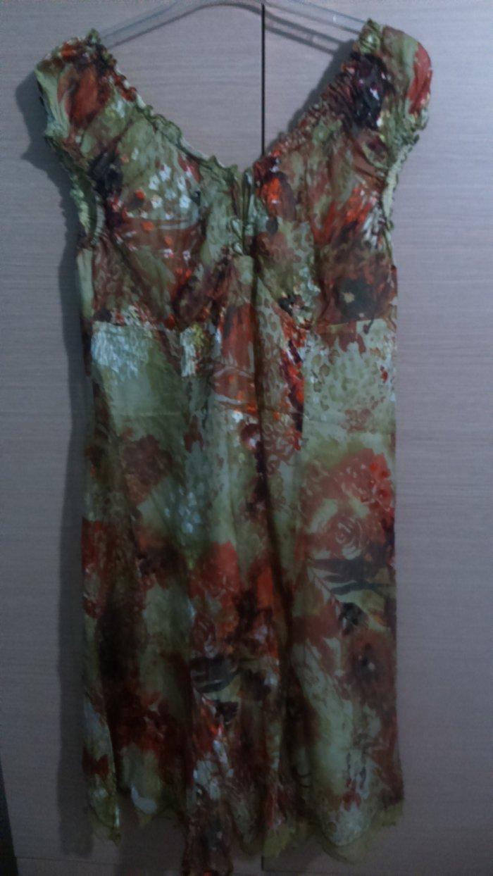 Εμπριμέ φόρεμα άριστης ποιότητας σε σε Δυτική Θεσσαλονίκη