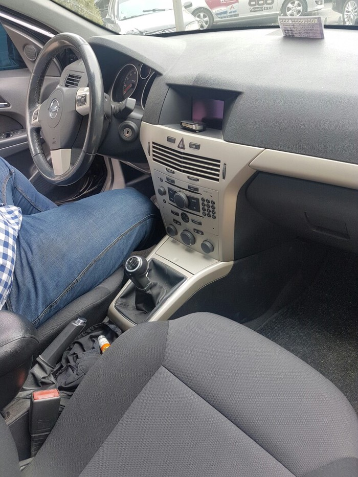 Opel Astra 2008. Photo 3