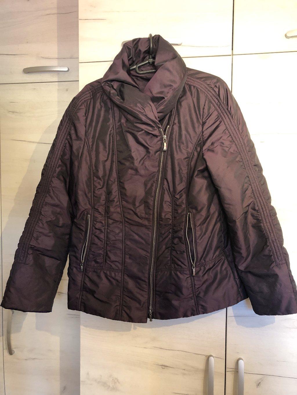 Zenska jakna samo ovu zimu nosena kratko 40 velicina