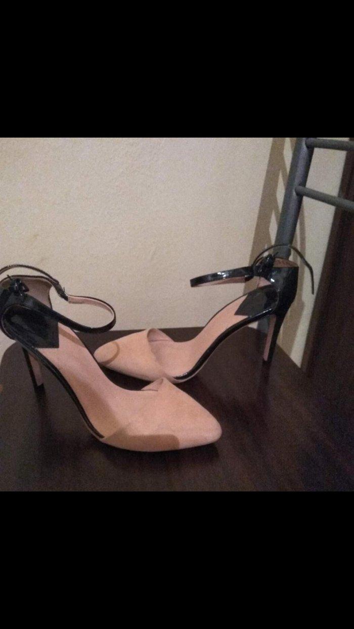 Παπούτσια stradivarius ολοκαίνουργια μπεζ. Photo 1