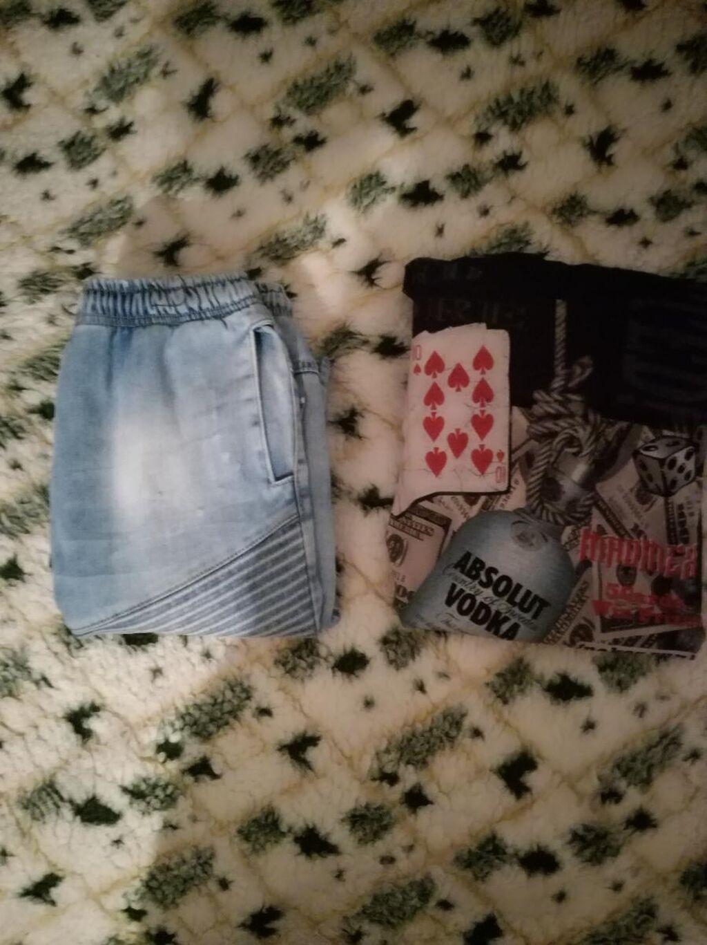 Muške farmerke + majica, sve za 699 din