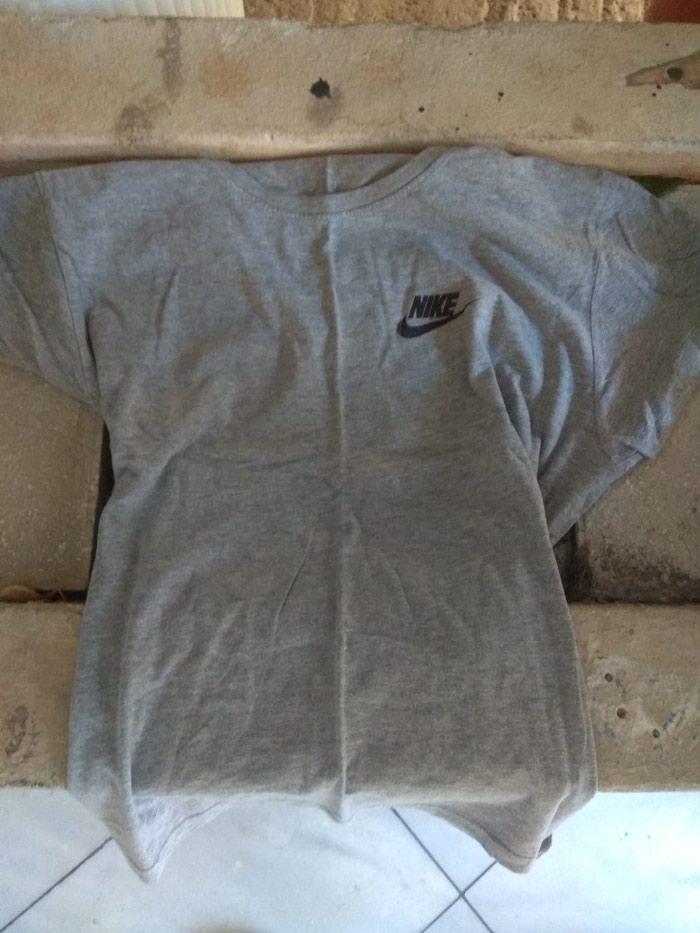 Μπλούζα Nike ,large σε άριστη κατάσταση σε Αθήνα