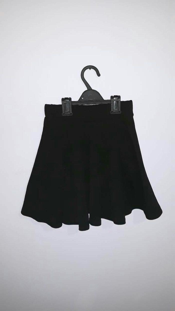 Μαύρη μίνι φούστα μέγεθος x small αλλά είναι πολύ ελαστική στην μεση σε Αχαρνές