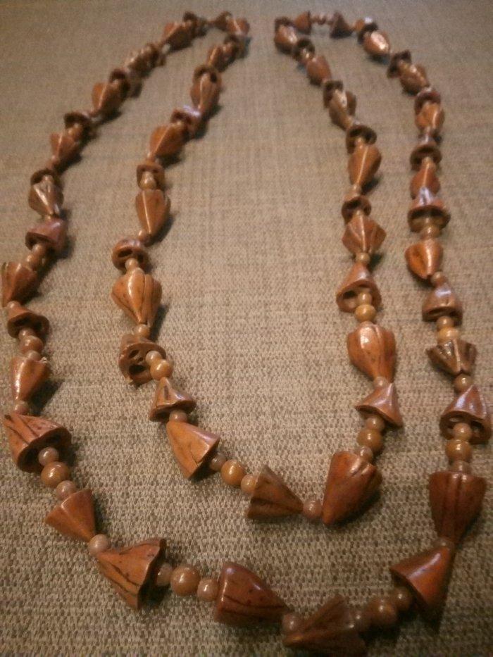 Ogrlica od košpica ručni rad jedinstvena nema je niko  doneo sam je iz nemačke