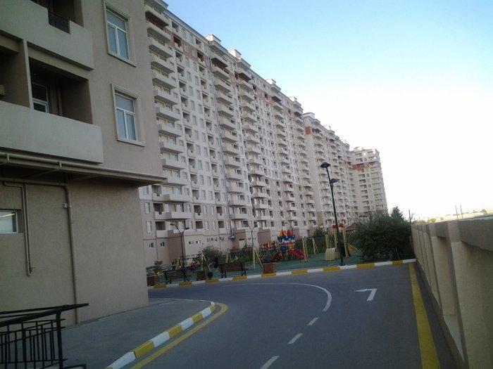 Bakı şəhərində Bina evi satilir unvan savalan qesebesi   5 mertebesinde 50 kv