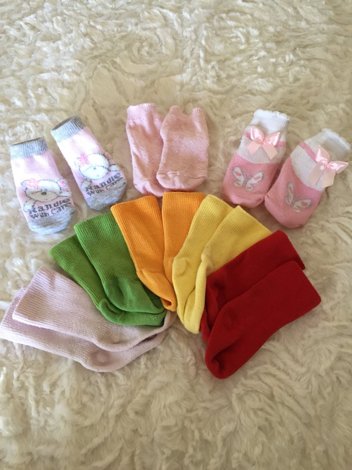 8 pairs assorted coloured socks. 0-3-6 months. . Photo 0