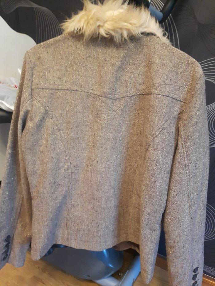 Теплый пиджак 10 ман размер L. Photo 0