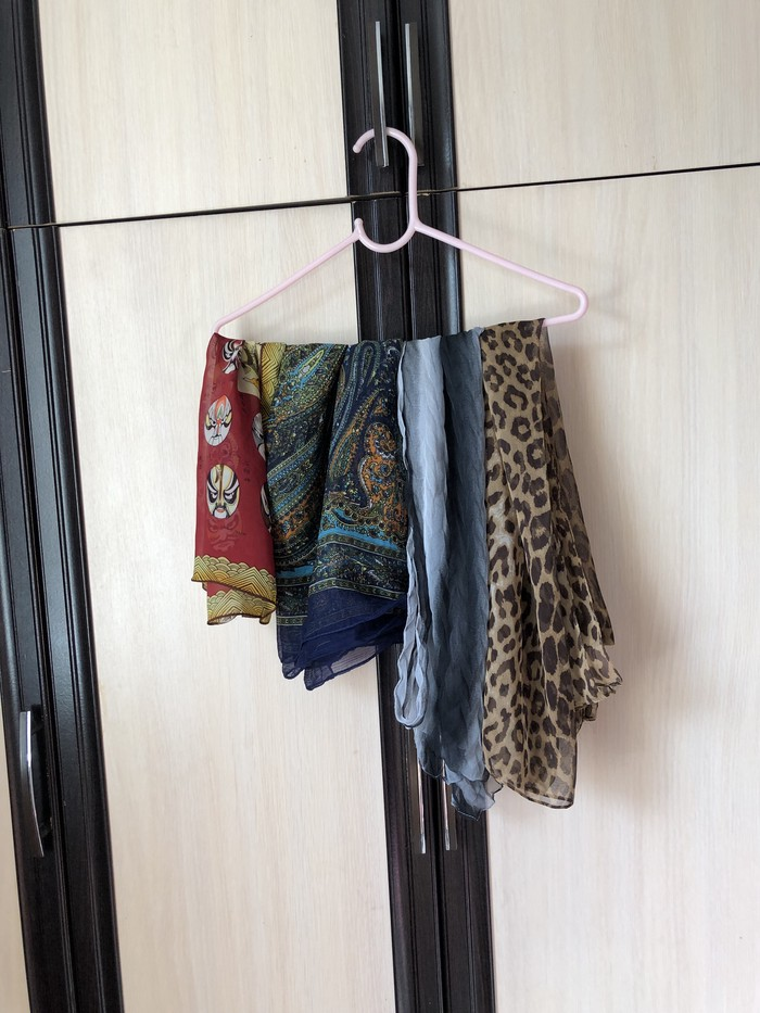4 шарфика за 150 сомов под пальто , тренчи . Photo 0