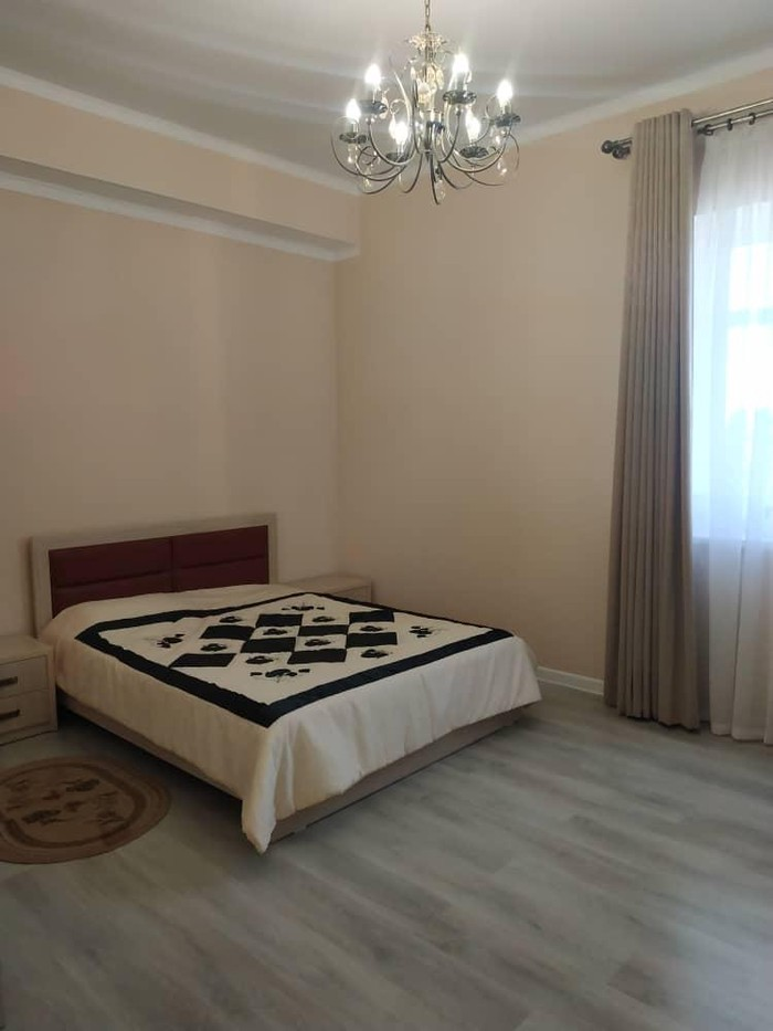 Продается квартира: 2 комнаты, 68 кв. м., Бишкек. Photo 2