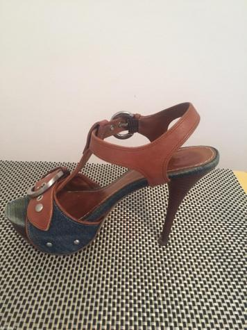 Prelepe guess sandale u odlicnom stanju - Beograd