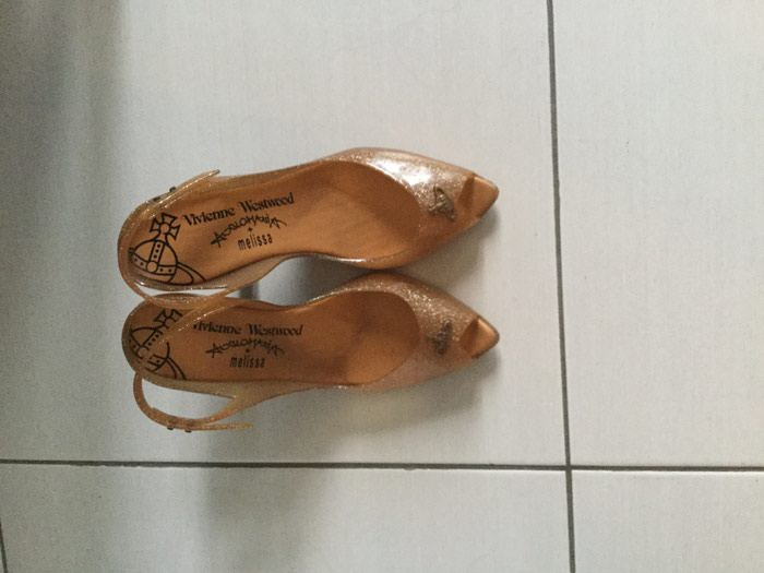Vivienne Westwood / Melissa sandals 8cm used, size 40. Price: 15€. Photo 1