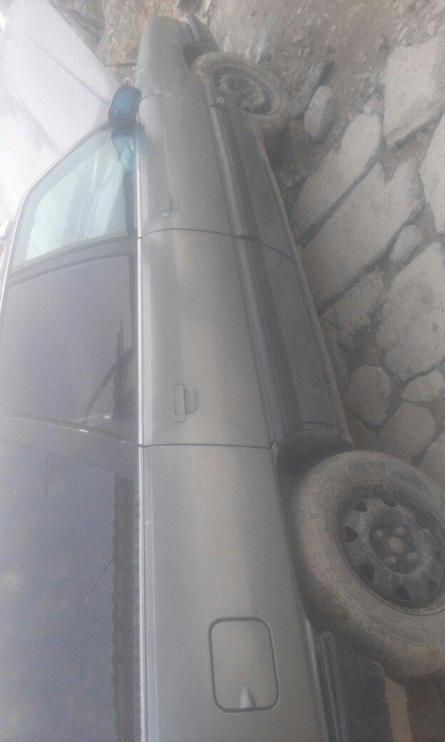 ауди 100 переходка объем 2.3 г89 инжектор  120000 т сом 0771912811 обм в Бишкек