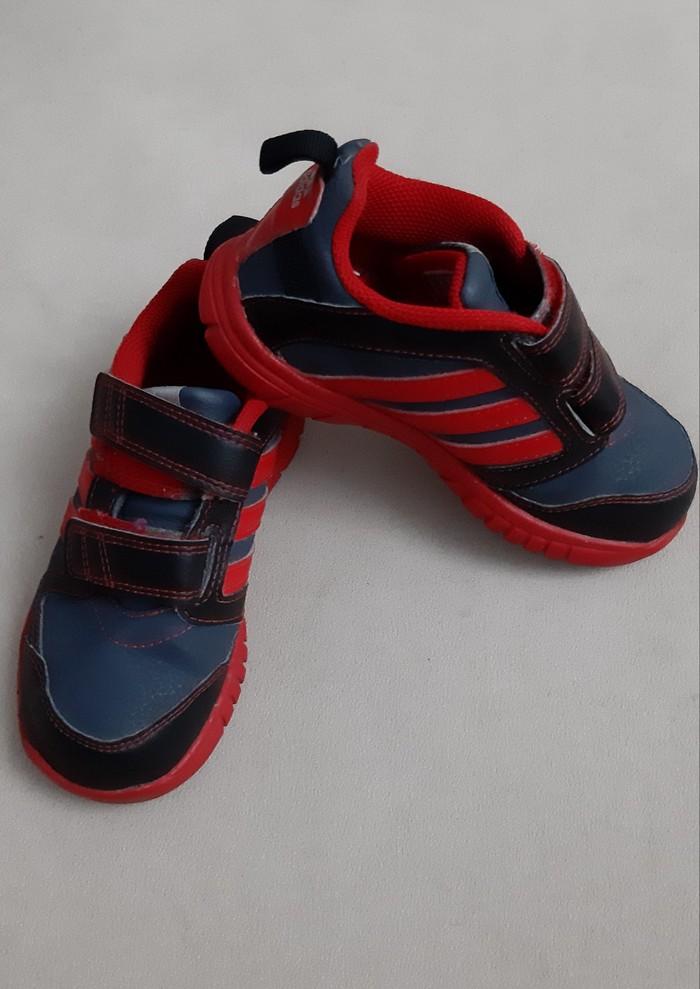 Обувь идеальное состояние Adidas 26 Цена 1500 Ботинки 29 Цена 1000. Photo 0