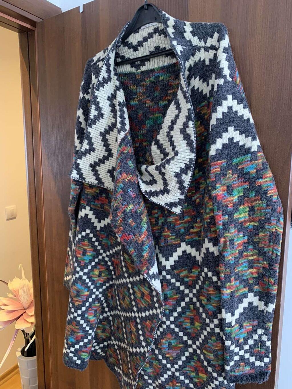 Ženska džemperi - Bela Crkva: Debeli džemper ogrtač, veličina univerzalna, NOVO. Red Gueen bukvalno