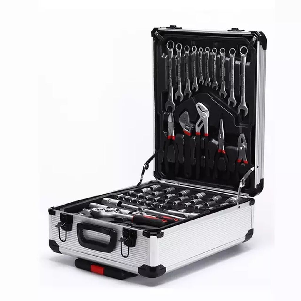 Инструменты для авто - Бишкек: Кейс синструментами 187 предметов— это расширенный универсальный наборслесарно-монтажногоинструмента, вкотором есть все, что только может пригодиться мужчине «сруками»