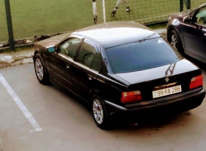 Bakı şəhərində BMW 320 1992