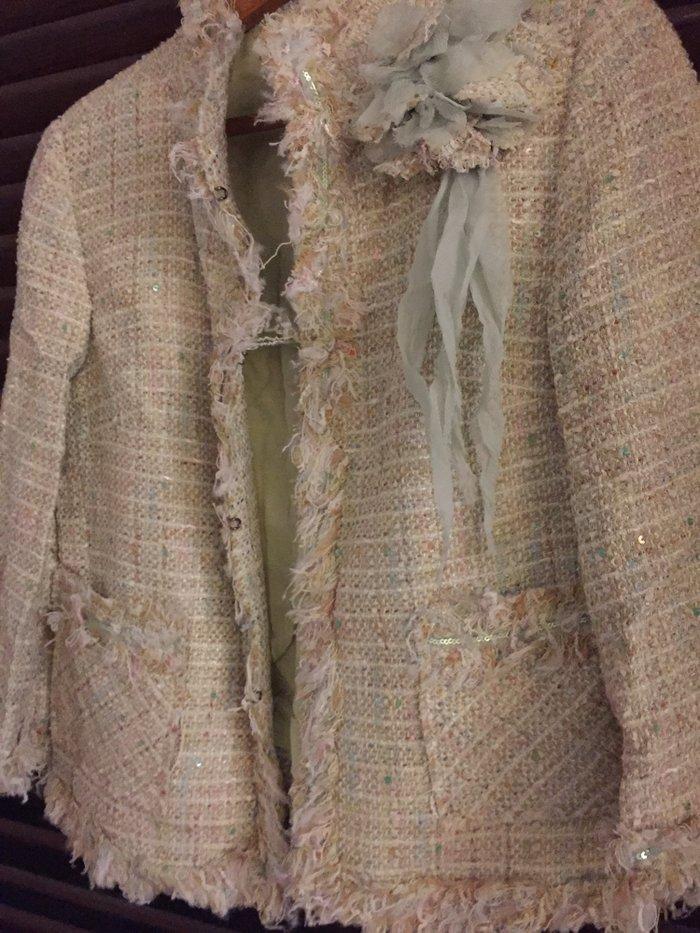 Σακάκι tweed βεράμαν  με λουλούδι , κοντό τύπου Chanel . Νο small .Αφό. Photo 1
