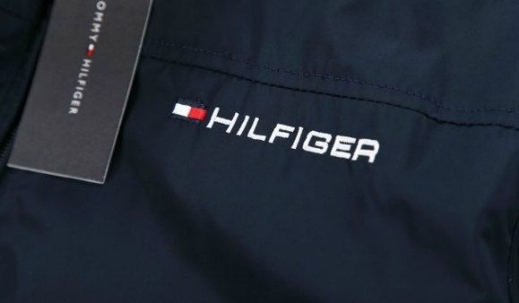 JACKET TOMY HILFIGER (collection 2017).To προϊόν είναι σε Αθήνα