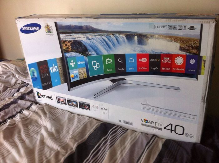 Samsung UN65F6400AF LED Smart 65'  1080p Full HD Tv. Photo 0