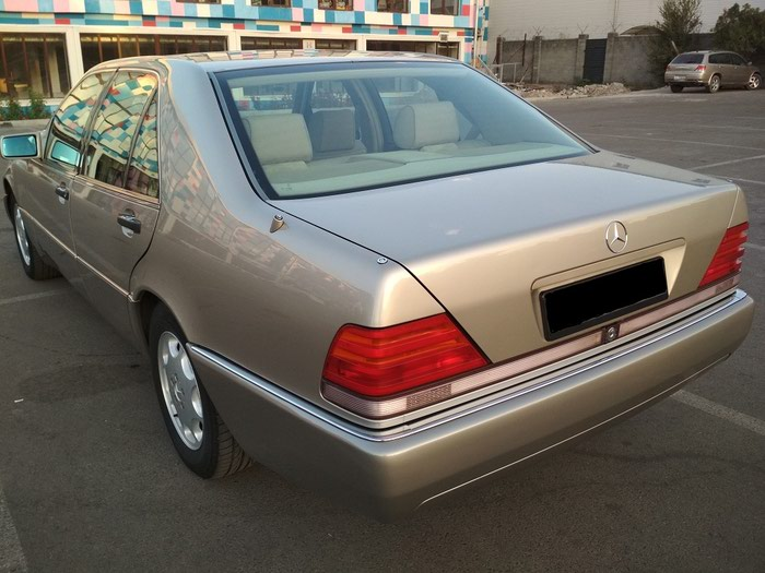 Mercedes-Benz S 320 1992. Photo 1