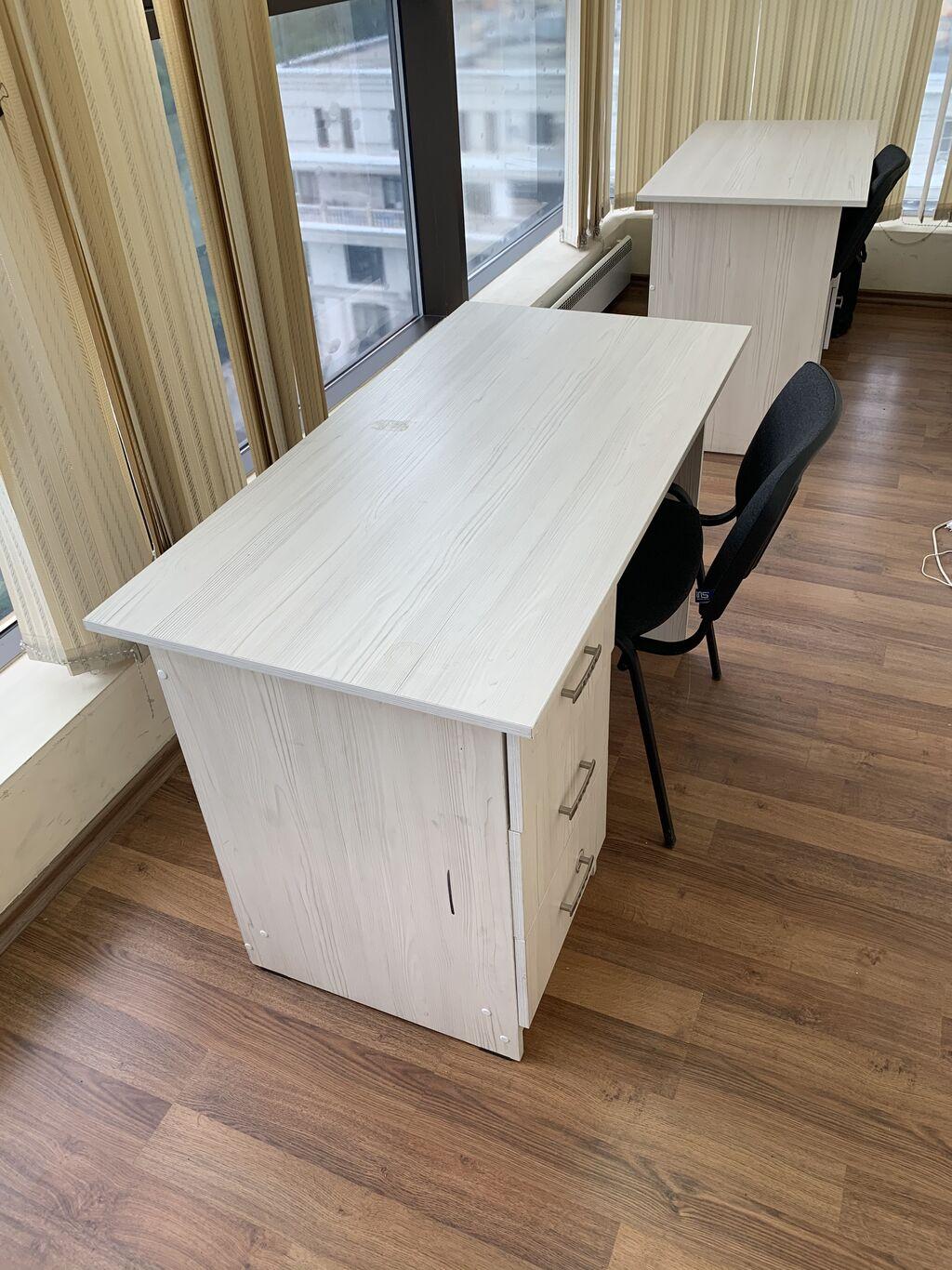 Продадим 3 офисных стола