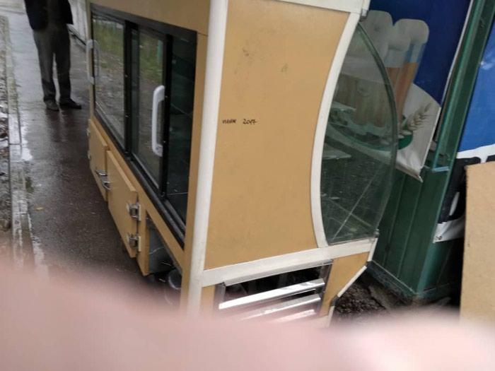 Продам холодильник витрины  20000не работает , иранский , большой. Photo 1
