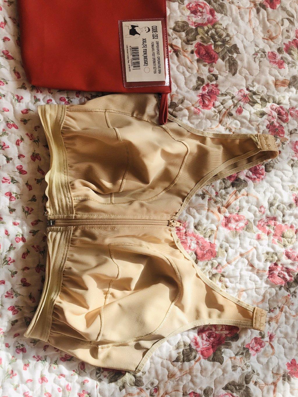 Продаю компрессионное белье ( бандаж) после маммопластики