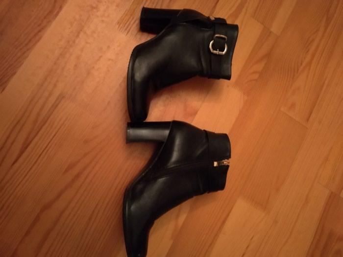 Обувь новая . Ношение только один раз , черного цвета 39 размера. . Photo 0