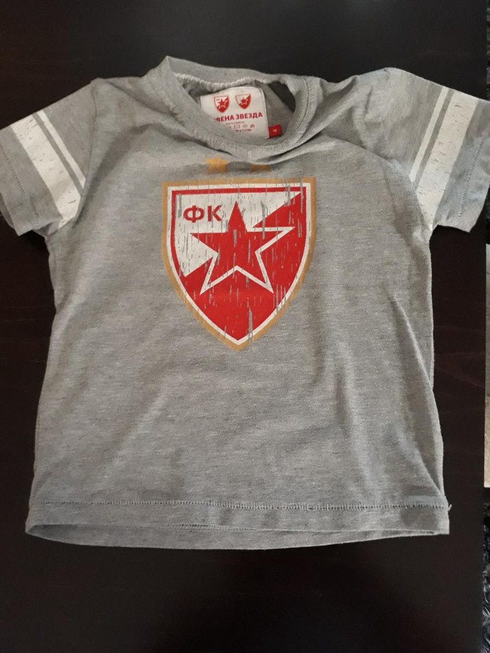 Decija majica original Crvena Zvezda broj 4, vrlo ocuvana - Vrsac