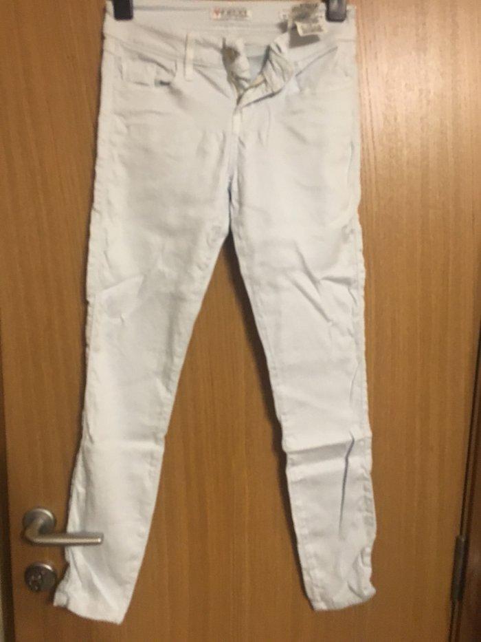 Original Guess pantalons  Velicina 25, dosta elasticne  - Beograd