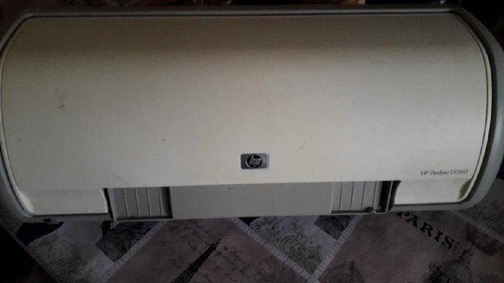 HP DeskJet D1360  Рабочая (нет соединяющих проводов)