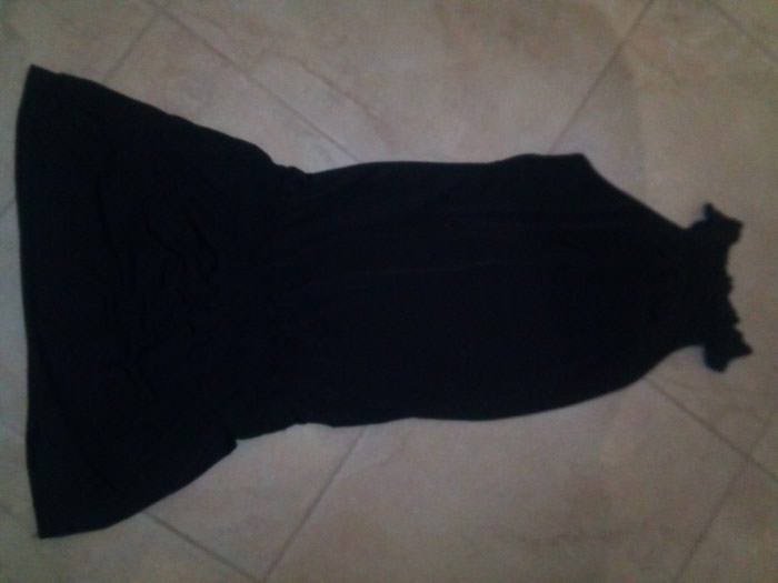 Μαύρο ελαστικό φόρεμα βισκοζ no 4 σε Σκύδρα