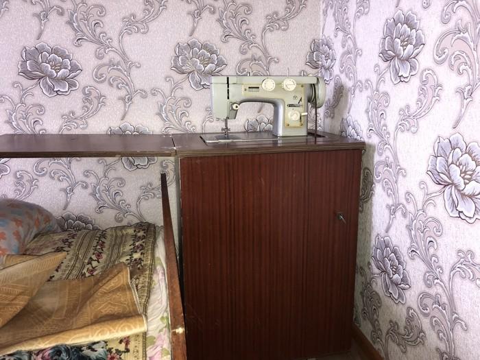 Советская швейная машинка рабочая настроенная в отличном состоянии. Photo 3
