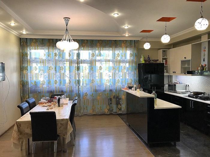 Продается квартира: 5 комнат, 220 кв. м., Бишкек. Photo 2
