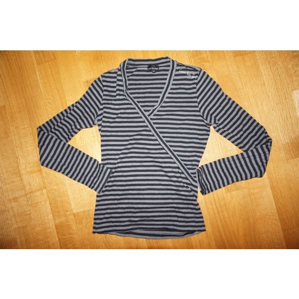 3aebee05f380 calvin klein μπλουζα small for 15 EUR in Αθήνα  Γυναικείος ρουχισμός ...