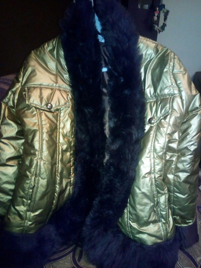 μπουφάν πολύ ζεστό μεσατο με καφέ γούνα ολοκαίνουργιο!! for 20 EUR ... 898d0e38888