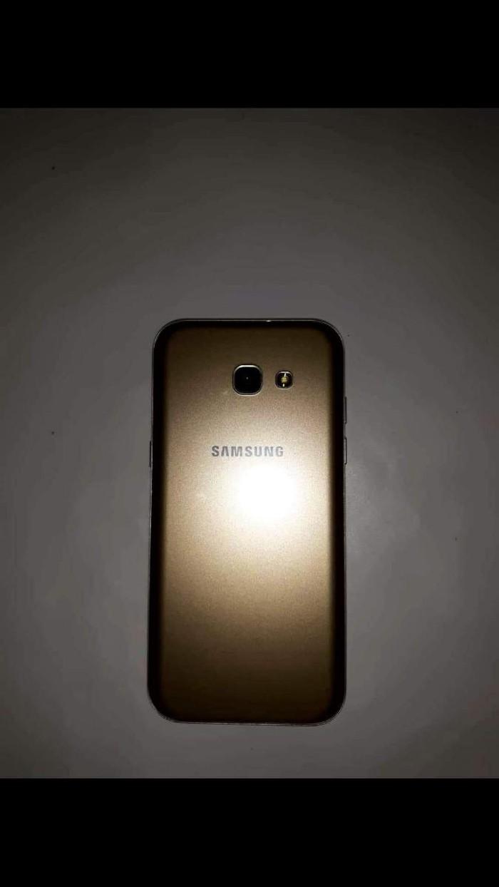 Καινούργιο Samsung Galaxy A5 2017 32 GB χρυσός. Photo 2
