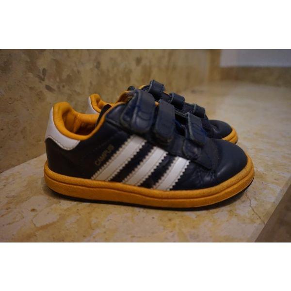 Adidas ν24 . Photo 1