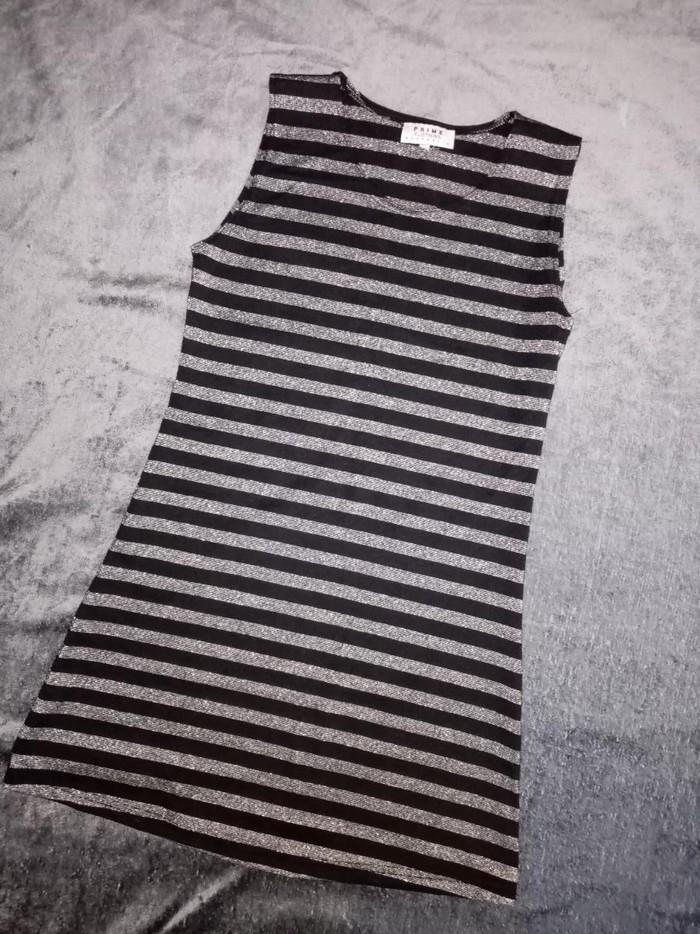 Prime S/M kratka haljinica, crno-srebrna. Par puta nošena