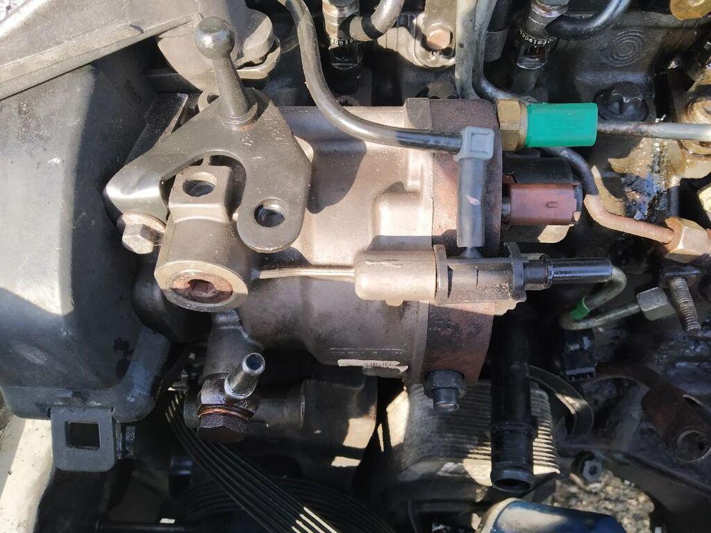 Dacia logan 1.5 delpi yanacaq nasosu