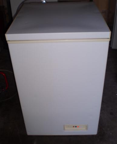 Πωλείται καταψύκτης μπαούλο 85 x 59